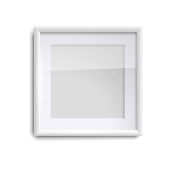 Cadre photo blanc vierge avec verre, cadre photo vide carré sur blanc. modèle de cadre photo blanc isolé