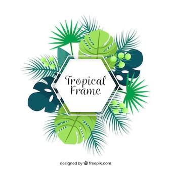 Cadre plat d'été avec des feuilles tropicales