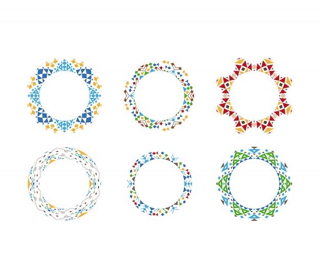 Cadres circulaires ornementaux ethniques colorés