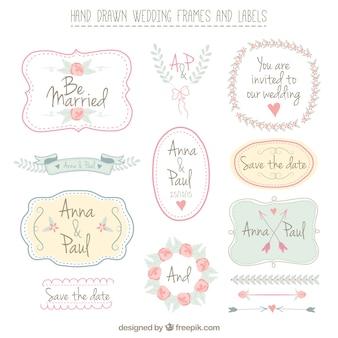 Cadres et des étiquettes de mariage dessinés à la main
