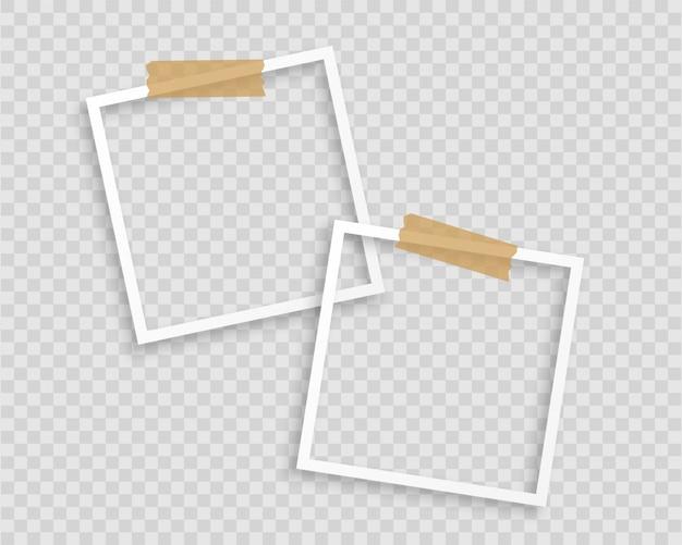 Cadres photo avec du ruban adhésif sur fond transparent