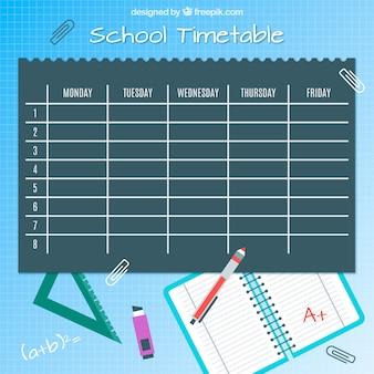 Calendrier des cours, stylos et cahier