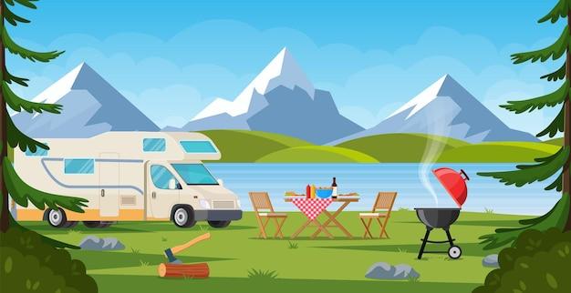 Camping-car avec chaise longue table pliante barbecue