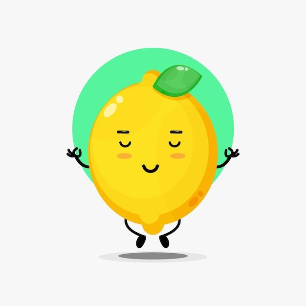 Caractère mignon de citron méditant dans la pose de yoga