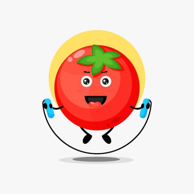 Caractère mignon de tomate faisant la corde à sauter