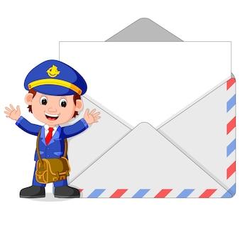 Caricature de facteur avec grande lettre