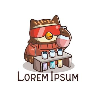 Caricature de hibou de science chef mignon logo