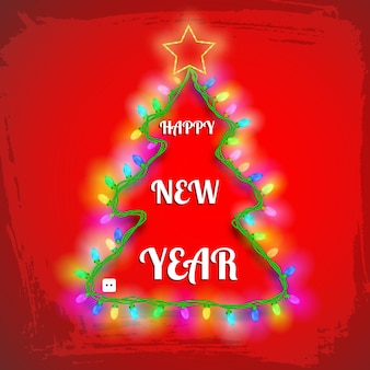 Carte d'arbre de nouvel an avec des lumières de guirlande colorées étoiles et salutation sur rouge