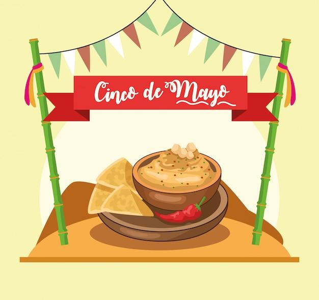 Carte cinco de mayo avec nachos et sauce au fromage