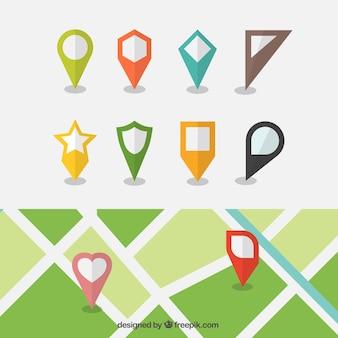 Carte avec différents localisateurs fixés dans la conception plate