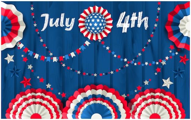 Carte du 4 juillet avec éventails en papier suspendus à une clôture en bois