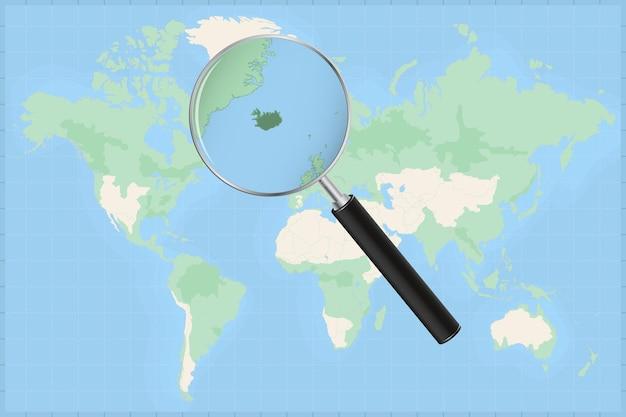 Carte du monde avec une loupe sur une carte de l'islande.