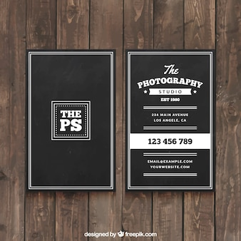 Carte élégante d'affaires noir pour un photographe professionnel