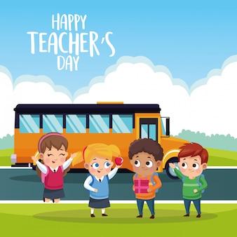 Carte de fête des enseignants heureux avec les élèves à l'arrêt de bus