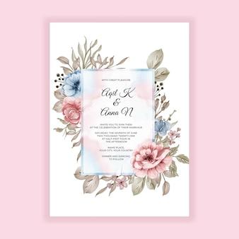 Carte d'invitation de cadre floral de mariage avec des fleurs bleues roses