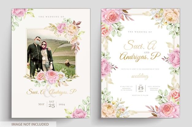 Carte d'invitation florale et feuilles aquarelle douce