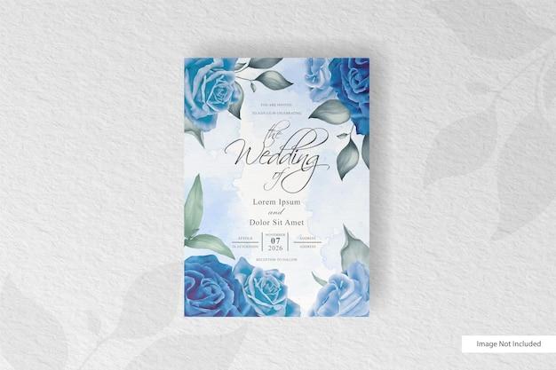 Carte d'invitation de mariage aquarelle élégante avec fleur bleue et feuilles