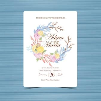 Carte d'invitation de mariage avec belle couronne florale