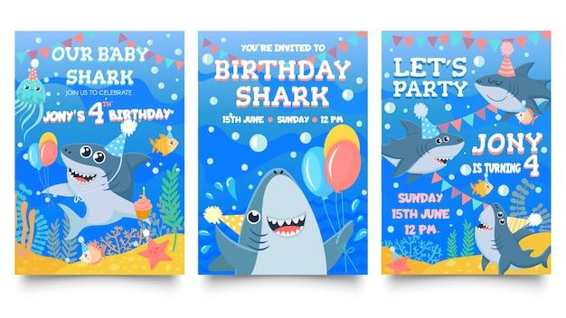 Carte d'invitation avec des requins mignons.