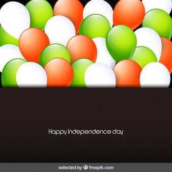 Carte de la journée inde independece avec des ballons