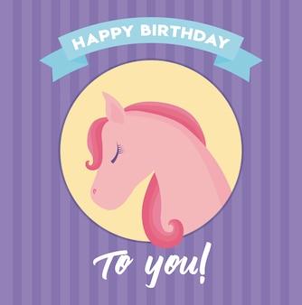 Carte de joyeux anniversaire avec tête de licorne mignonne