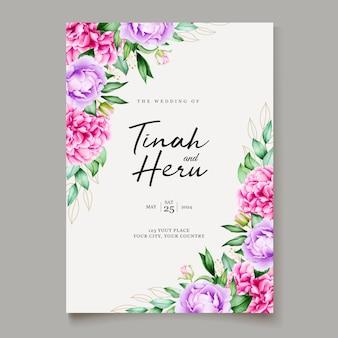 Carte de mariage élégant avec beau modèle floral et feuilles