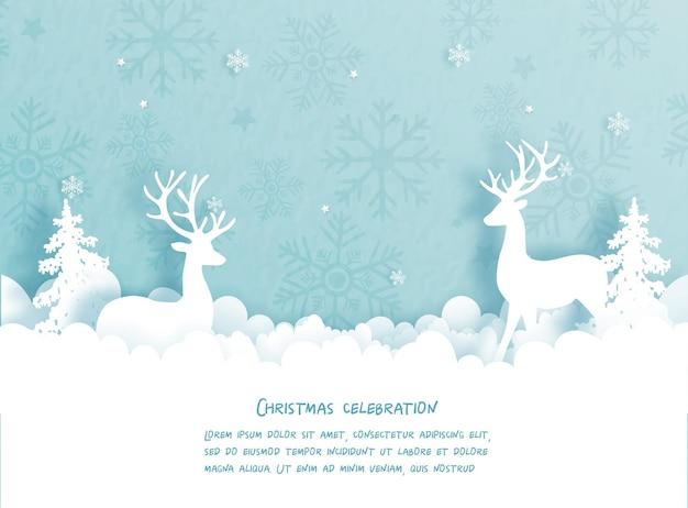 Carte de noël avec renne et arbre de noël.