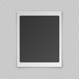 Carte-photo vierge réaliste avec bordure en plastique blanc, effet d'ombre, isolé sur fond transparent.