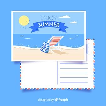 Carte postale estivale de chaise à rayures
