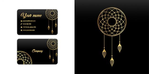 Carte de visite abstraite mandala dream catcher. fond d'arabesque de luxe. motif floral serti de couleur or