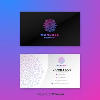 Carte de visite élégante avec concept de mandala