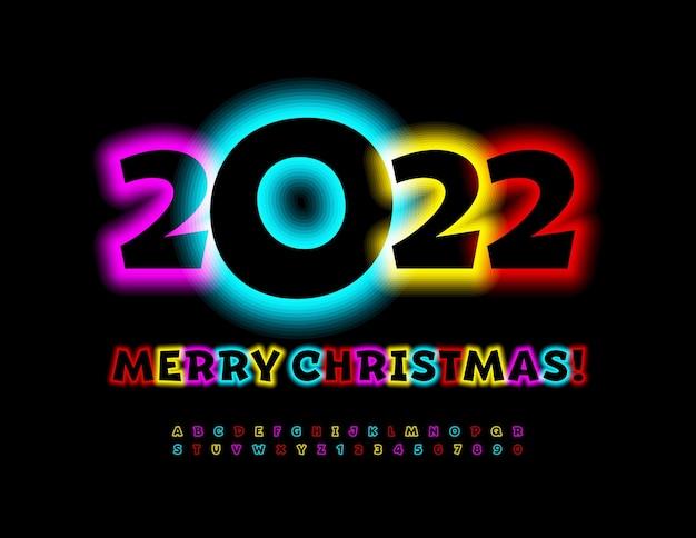 Carte de voeux drôle de vecteur joyeux noël 2022 lumière rougeoyante colorée lettres et chiffres de l'alphabet
