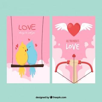 Cartes d'amour avec de beaux oiseaux et arc cupidon