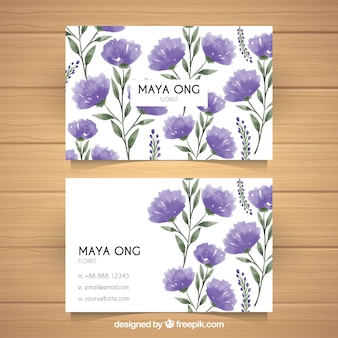 Cartes d'entreprise avec des fleurs en tons violets