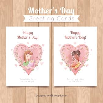 Les cartes de fête des mères avec des coeurs d'aquarelle