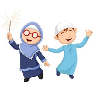 Cartoon heureux enfant musulman
