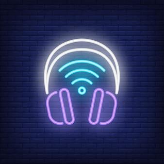 Casque d'écoute avec symbole néon symbole wi-fi