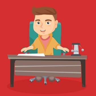 Caucasien garçon jouant le rôle d'employé de bureau.