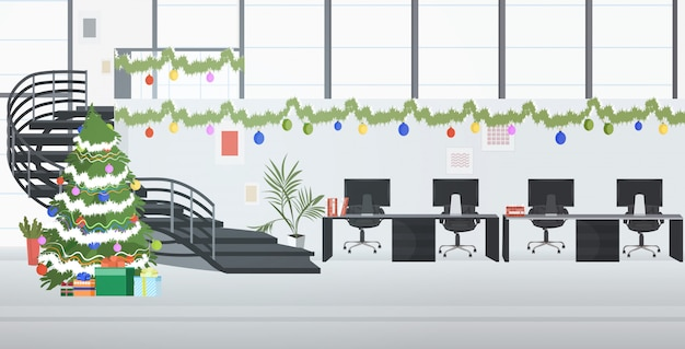 Centre de coworking décoré pour les vacances de noël