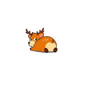 Cerf mignon couché et regardant en arrière