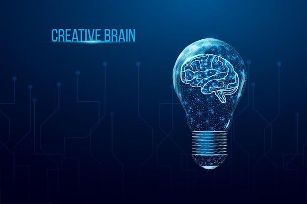 Cerveau humain polygonal filaire dans une ampoule. idée d'entreprise, concept de remue-méninges avec une ampoule low poly rougeoyante.