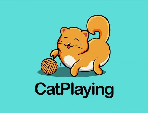 Chat mignon jouant au dessin animé