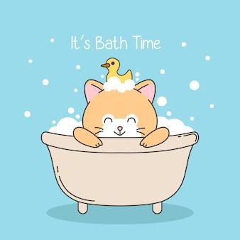 Chat mignon prendre un bain avec canard