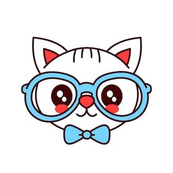 Chat souriant mignon hipster drôle dans des verres et un visage de cravate papillon.