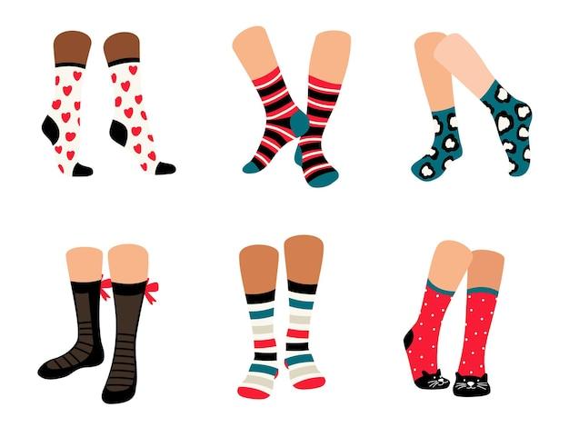 Chaussettes mignonnes. vêtements en coton de collection élégante pour les jambes, ensemble d'illustrations vectorielles de beau tissu avec des ornements pour réchauffer isolé sur fond blanc
