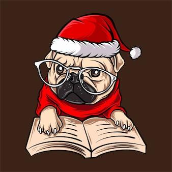 Chien carlin drôle avec des lunettes portant le costume de noël du père noël