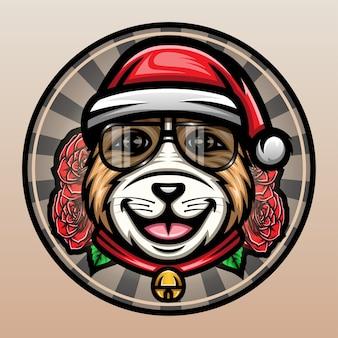 Chien mignon avec des lunettes portant un chapeau de noël.