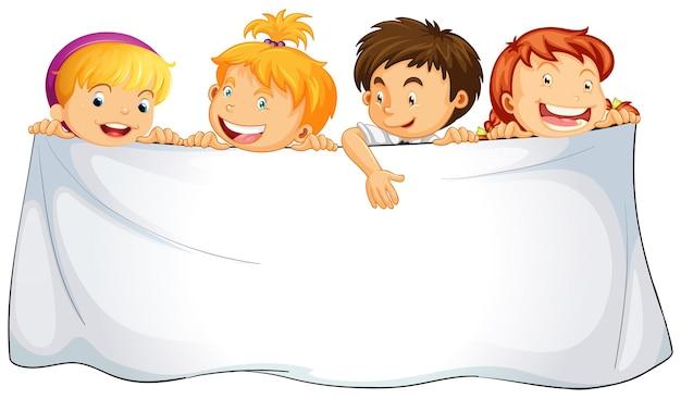 Chiffon blanc avec des enfants heureux