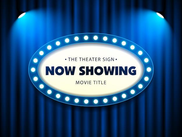 Cinéma théâtre rétro signe sur rideau avec projecteur