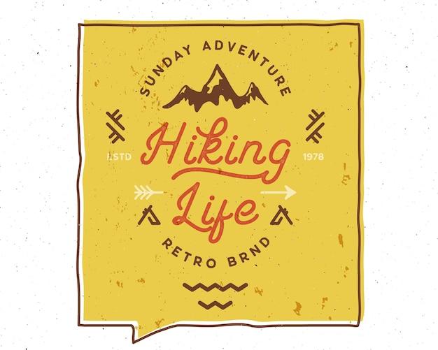 Citation de motivation créative inspirante de la vie de randonnée.